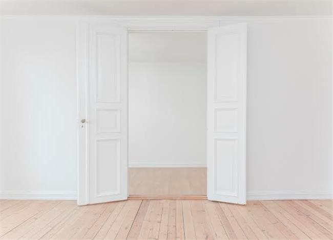 Bad Rental Apartment Floor