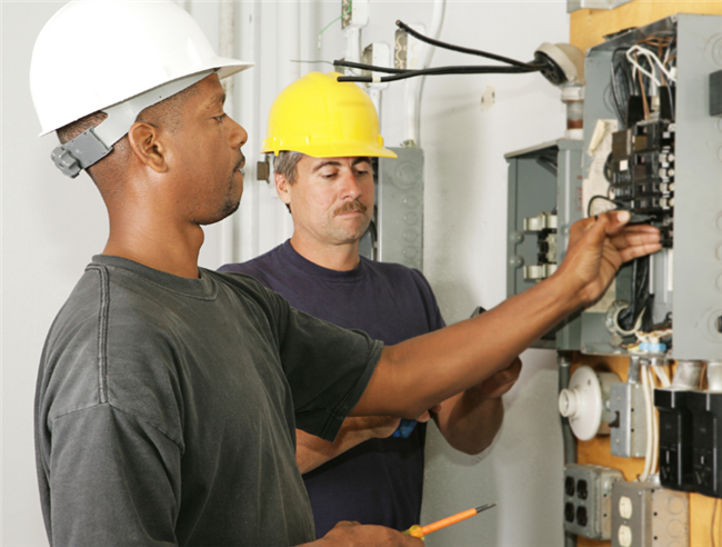 How Can You Detect Faulty Electrical Wiring In A Rental Property?